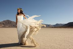 Intimate-Bohemian-Death-Valley-Desert-Wedding-34-copy.jpg (630×421)