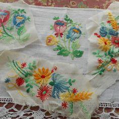 http://www.alittlemercerie.com/boutique/bazar_de_roulottes-723797.html4 motifs de broderies anciennes a coller