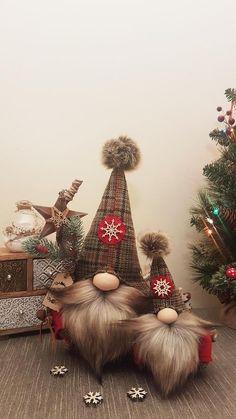 Christmas Makes, Christmas Mood, Christmas Gnome, Xmas Ornaments, Christmas Decorations, Homemade Christmas Gifts, Holiday Crafts, Diy Gifts, Crafting