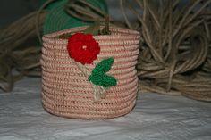 Cestino porta aromi in corda e cotone, lavorato ad uncinetto. Interamente fatto a mano