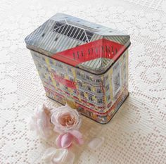 Hediard French Butter Bisquits Metal Tin  by RosebudsOriginals, $12.95
