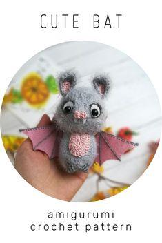 Crochet Animal Patterns, Crochet Patterns Amigurumi, Doll Patterns, Knitting Patterns, Sewing Patterns, Cute Bat, Knitting Toys, Halloween Toys, Crocheted Toys