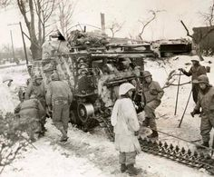 track maintenance during the Battle of the Bulge. Hell On Wheels, Military Equipment, Priest, Scale Models, Campers, Division, Military Vehicles, Wwii, Recovery