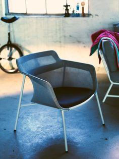 The chair PS 2017 designed for IKEA means the establishment of a new method of production: the 3D knitted