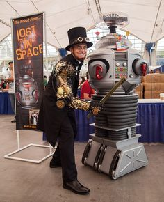 cosplay-steampunk-abrahamlincoln-and-lost-in-space-robot