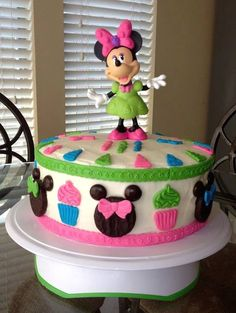 Minnie Mouse cake (with Minnie heads made from peppermint patties)