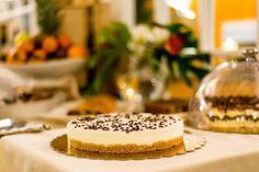 CHEESE CAKE ALLO YOGURT E GOCCE DI CIOCCOLATO FONDENTE