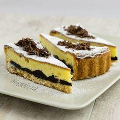 Crostata al cioccolato fondente e crema Preparazione: 50 minuti (più 2 ore 30′) di riposo Cottura: 1 ora 10′ Che dire… quando si pecca… si deve peccare alla grande! Questo il caso della crostat