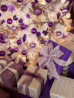 A Purple Christmas. Love the white tree with purple decoration s! Purple Christmas, Noel Christmas, Christmas Wrapping, Beautiful Christmas, Winter Christmas, All Things Christmas, Christmas Crafts, Christmas Decorations, Magical Christmas