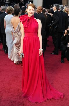Emma Stone opted for this dramatic fuchsia-hued, bow-tie Giambattista Valli Couture gown for the 2012 Oscars.