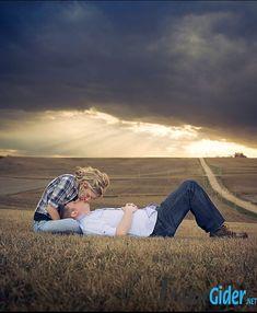 Çok Güzel 16 Fotoğrafla Mutlu Aile Tablosu