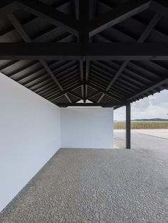 Open barn, beams, black and white Space Architecture, Architecture Details, Wine Hotel, Modern Barn, Farm Life, Interior And Exterior, Cottage, Building, Outdoor