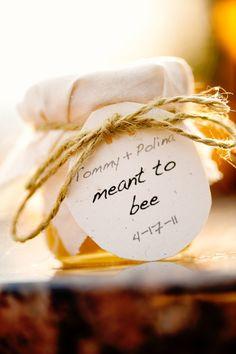 Cadeau d'invité, pot de miel artisanal.