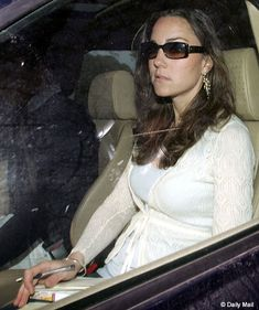Kate on the day that her 2007 breakup was featured in the papers.  She looks so shocked and sad.