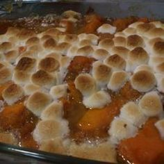 Sweet Potatoes - Sweet potato recipes -Candied Sweet Potatoes - Sweet potato recipes - Take a break and let your Crock-Pot do some work this Thanksgiving. The BEST Candied Yams Recipe (without corn syrup! Sweet Potatoes With Marshmallows, Recipes With Marshmallows, Mini Marshmallows, Candied Yams With Marshmallows, Baked Candied Sweet Potatoes, Candied Yams Easy, Best Candied Yams Recipe, Thanksgiving Recipes, Holiday Recipes
