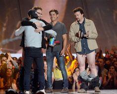 Zac Efron, Seth Rogen, Danny Mcbride & Taylor Lautner presenting at the MTV Movie Awards 2013
