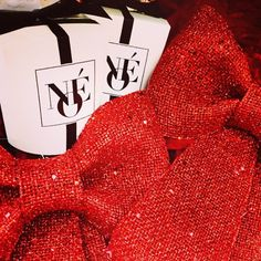 #noecandles #scentedcandles #soycandle #candles #christmas #christmasgift #christmaspresent #decoration #home #homesweethome #interior #christmasdecoration #mushave #personalizedcandle #personalizedgift #winter #cozy #christmasbow #glitter #holidays #glamour #luxurylifestyle #allnatural #organic #interiordetails #interiorinspo #interiör #interieur #interiør #inspirasjon