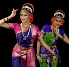 Cool Costumes, Dance Costumes, Indian Classical Dance, Dance World, Costumes Around The World, Dance Poses, Dance Art, Dance Dresses, Indian Beauty