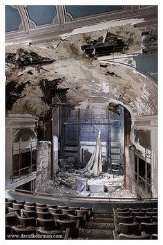 Paramount Theatre in Youngstown, Ohio, set to be demolished for a parking lot.