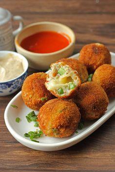 Chicken Cheese Ball Recipe, Chicken Balls, Cheese Ball Recipes, Appetizer Recipes, Snack Recipes, Cooking Recipes, Tofu Recipes, Pakora Recipes, Amish Recipes