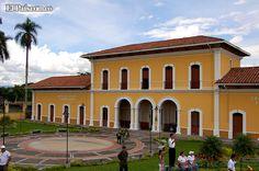 La estación del ferrocarril en Buga es una de las pocas restauradas en el Valle. Es Monumento Nacional.