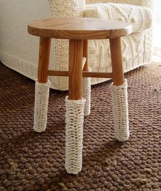 Google Image Result for http://stylefrizz.com/img/knitted-stool-white-warmers.jpg