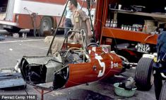 Ferrari Camp The #5 Ferrari 312 chassis of Chris Amon laid bare during an engine change, long before F1 machines were shrouded in secrecy. As this basic design was already into its third season there was not a lot to hide anyway.