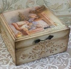 34 Ideas For Woodworking Projects That Sell Benches Toy Boxes - Shabby Chic Boxes, Shabby Chic Crafts, Decoupage Box, Decoupage Vintage, Mdf Christmas Decorations, Cigar Box Crafts, Floral Furniture, Altered Cigar Boxes, Clay Box