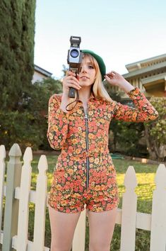 The Marigold Romper -- Daisies O Ring Zipper Long Sleeve Orange Mustard Yellow 70s Inspired Fashion, 70s Fashion, Vintage Fashion, Hippie Fashion, 70s Outfits, Cute Outfits, Stylish Outfits, Moda Converse, Looks Style