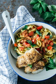 Pesto Pasta, Pasta Salad, A Food, Food And Drink, Favorite Recipes, Meat, Chicken, Dinner, Ethnic Recipes