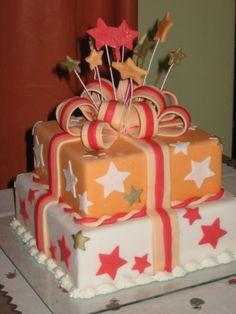 bolos com estrelas branco e laranja