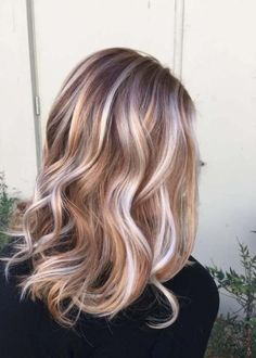 Trendy Hair Highlights : Ideas for Light Brown Hair Color with Highlights and Lowlights ★ See more:… Balayage Ombré Blond, Hair Color Balayage, Balayage Highlights, Chunky Highlights, Haircolor, Blonde Hair With Copper Highlights, Low Lights And Highlights, Blonde Hair For Fall, Summer Highlights