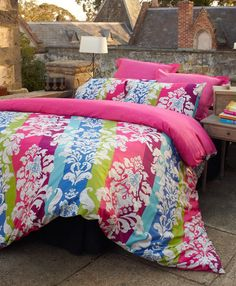 Bright colourful bedding to pretty up your bedroom #doonacovers ... : bright quilt covers - Adamdwight.com
