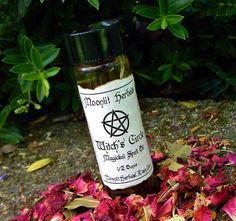Witch's Circle Magickal Spell Oil  Protect and by MoonlitHerbals, $6.75