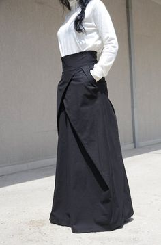 Flowy Maxi Skirt with Pocket, Evening Bridesmaid Skirt, High Waisted Skirt, High Fashion Skirt, Floor Length Skirt Cotton Skirt Large Skirt Look Fashion, Skirt Fashion, Fashion Models, High Fashion, Fashion Outfits, Fashion Fall, Fashion 2017, Modest Fashion, Fashion Boots