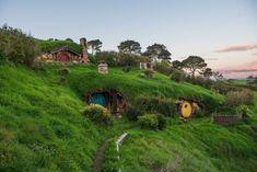 Hobbit Hole, The Hobbit, Tolkien, Fox Habitat, Natural Building, Green Building, An Unexpected Journey, Nature Spirits, Fairy Houses