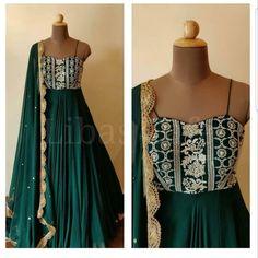 Designer Evening Gowns, Designer Party Wear Dresses, Kurti Designs Party Wear, Designer Gowns, Designer Wear, Designer Anarkali Dresses, Indian Gowns Dresses, Indian Fashion Dresses, Indian Designer Outfits