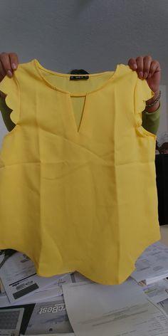 joefsf Stylish Dress Designs, Stylish Dresses, African Blouses, Kids Lehenga, Kids Frocks Design, Girl Dress Patterns, Beautiful Blouses, Short Tops, Casual Tops