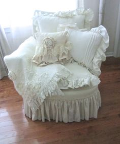 """Junk Chic Cottage: The New """"painted"""" Chair"""