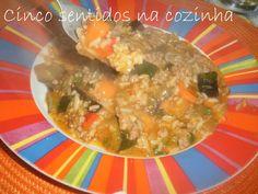 Arroz de carne picada com cenoura, courgette e beringela