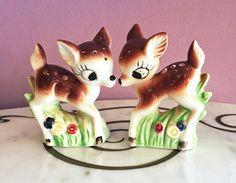 Vintage 50s Doe Deer Flower Salt and Pepper Shakers / 1950s Ceramic S&P Shakers