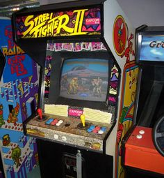 Super Street Fighter II Arcade Machine ~1993~ - Capcom  Break out and pal up space