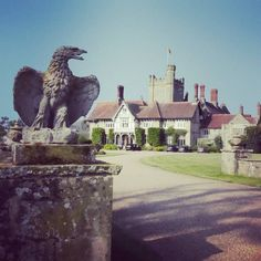 The entrance to #Cowdray - a country estate in the heart of the #SouthDowns.  What a lovely day to visit this stunning #English house Polo fields and #Heritage site.  There's too much going on here to list!  Of course we all know it as the home of #BritishPolo but apart from that there's a #farmshop stocked with all sorts of produce from the estate and from specialist #artisan producers there are holiday cottages there's the ruins of the old Cowdray House an #EnglishHeritage site which was…