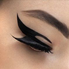 Graphic #Eyeliner!! I google-d to find that there are stickers available for graphical eyeliners!!