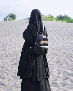 Hijab Niqab, Muslim Hijab, Mode Hijab, Hijab Outfit, Anime Muslim, Arab Girls Hijab, Muslim Girls, Hijabi Girl, Girl Hijab
