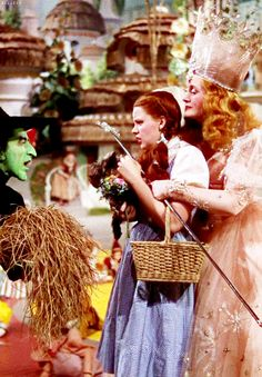 Judy Garland & Billie Burke and Margaret Hamilton ~ The Wizard of Oz Wizard Of Oz Movie, Wizard Of Oz 1939, The Good Witch, The Worst Witch, Margaret Hamilton, Billy Burke, Broadway, Land Of Oz, Yellow Brick Road