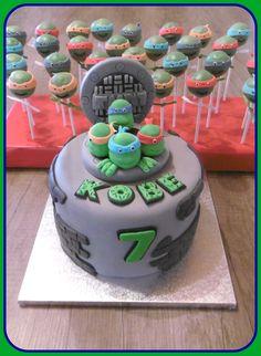 Ninja turtle cake and cakepops
