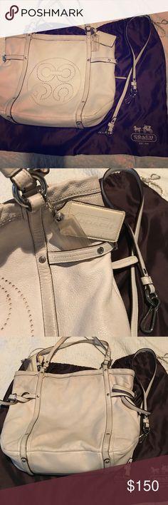 Coach Handbag Fairly large off white Coach Handbag in very good condition Coach Bags Hobos