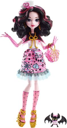 AmazonSmile: Monster High Shriek Wrecked Nautical Ghouls Draculaura Doll: Toys & Games