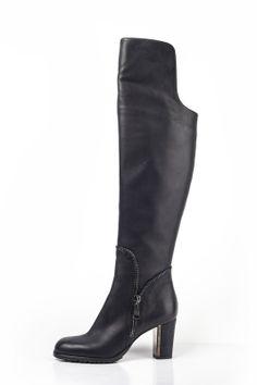Danilo di Lea shoes F/W 2014-15 #DanilodiLea #shoes #woman #fall #winter #Italy #footwear #womenshoes #zip #boots #fashion #style
